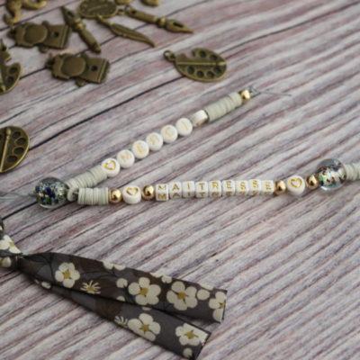 Porte-clés ou bijou de sac personnalisé beige